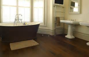 Small Bathroom Toilets And Sinks