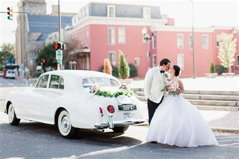 Wedding Transportation by Stop Read These Top 10 Wedding Transportation Tips For 2018