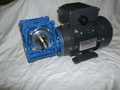 Electric Motor Gearbox by Single Phase 1 2hp Electric Motor And Gearbox 140rpm