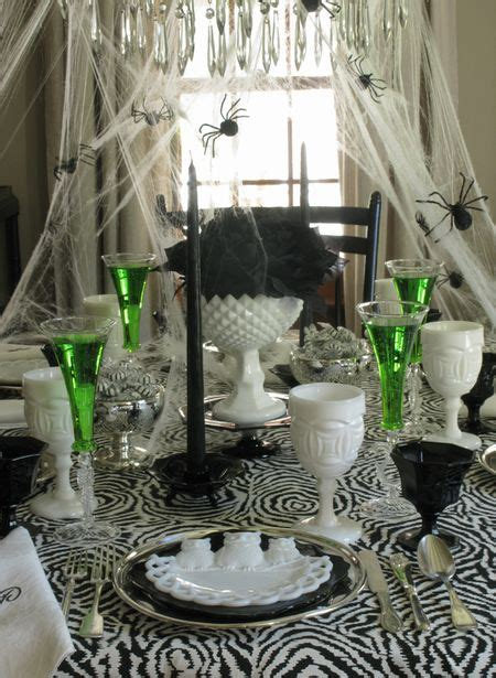 Black Kitchen Table Decorating Ideas by 5 Frightfully Decorating Ideas For Hooked