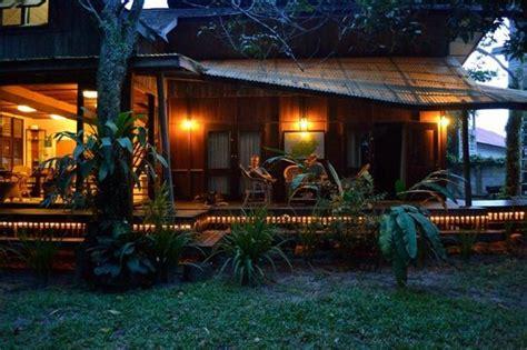 bukit raya guesthouse palangkaraya indonesia review