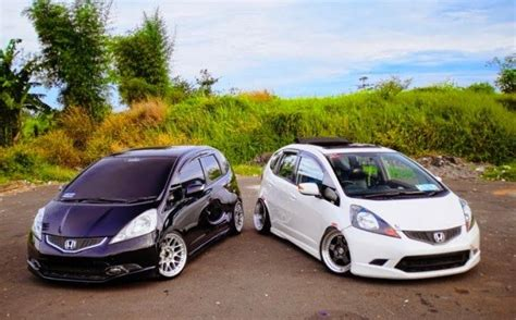 black  white honda jazz rs modifikasi mobil honda