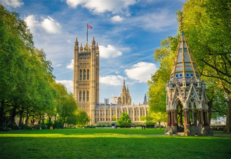londons green spaces breaches air quality