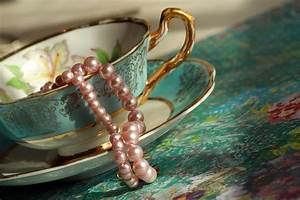 Pearls are a Girl's Best Friend | Parasol Dreams