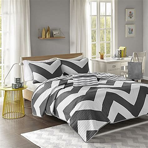 Mizone Libra Coverlet Set by Libra Reversible Chevron Coverlet Set In Black White Bed