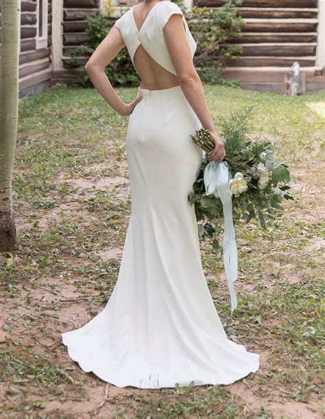 The gown warehouse offers affordable bridal, evening & wedding gown rental in singapore. Badgley Mischka Sawyer Gown Used Wedding Dress on Sale 38% ...