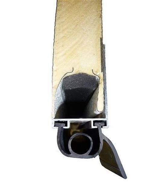joint porte de garage sectionnelle joint bas 224 1 levre pour porte sectionnelle ou basculante au ml