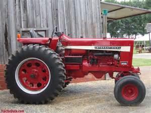International Harvester 856 Tractor