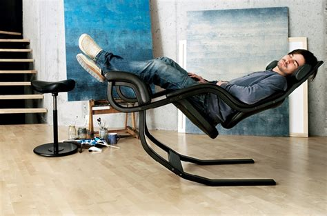 gravity balans the zero gravity recliner chair by varier