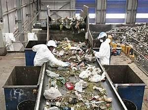 Drastic plastic bag ban looms - National - smh.com.au