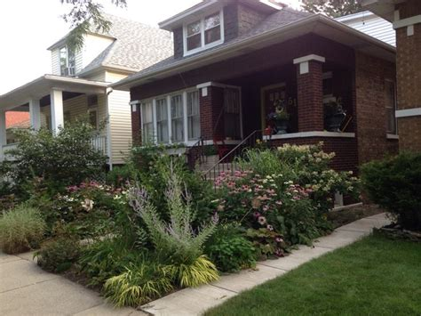 chicago landscaping ideas 17 best images about bungalowscape on pinterest gardens front yard landscaping and front yards