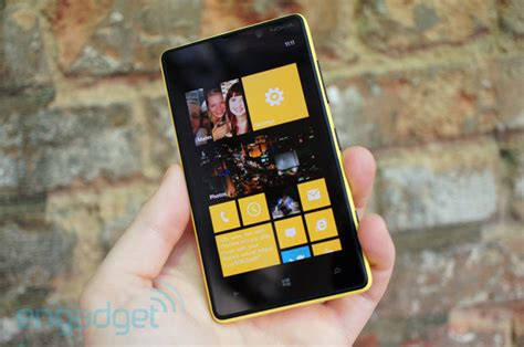 nokia lumia 820 review a less expensive option for the windows phone crowd