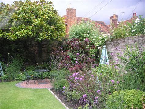 small cottage gardens a cottage garden