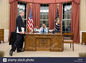 US President Barack Obama talks on the phone with FBI ...