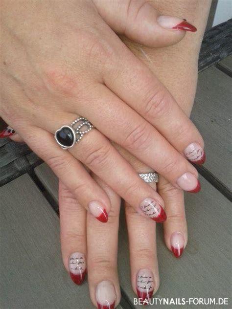 rote naegel fuesse mit nagellack gel nageldesign