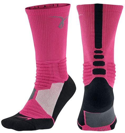 nike kay yow breast cancer awareness clothing  shoes