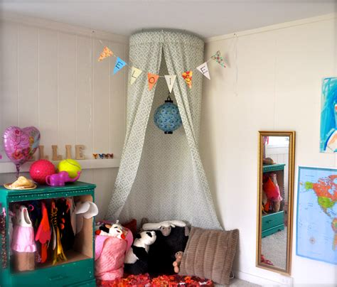 diy canapé 5 minute no sew kid s canopy four for