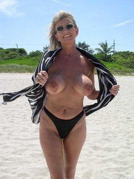 Gretchen Stockdale  nackt