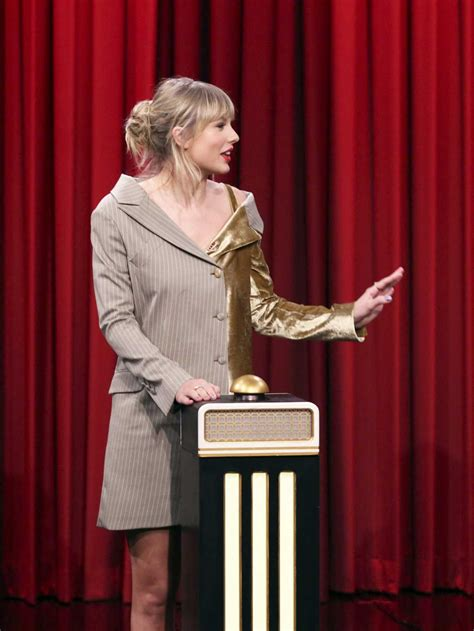 taylor swift attends  tonight show starring jimmy