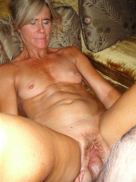 Going deep inside mom's wet pussy - Xxx Photo