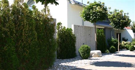 Sichtschutz Garten Düsseldorf by Stein Im Garten Schr 246 Er Garten