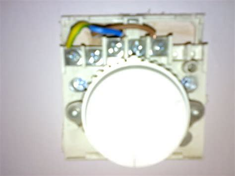 electrician advice needed to wire in new room thermostat