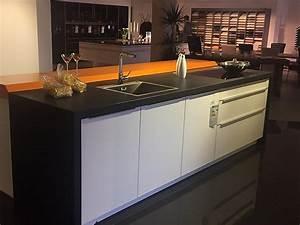 Granit Arbeitsplatte Küche Preis : sonstige musterk che glask che mit granit arbeitsplatte ~ Michelbontemps.com Haus und Dekorationen