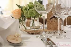 Tischdeko Mit Holz : hochzeitsdeko namensschilder baumst mme baumscheiben tischdeko holz hortensien rosen vintage ~ Eleganceandgraceweddings.com Haus und Dekorationen