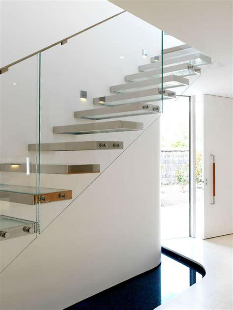 treppengeländer aus glas schicke treppengel 228 nder versch 246 nern das moderne treppenhaus