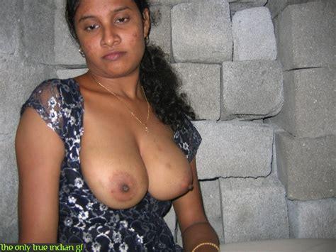 srilankan girl stolen picture from her mobile