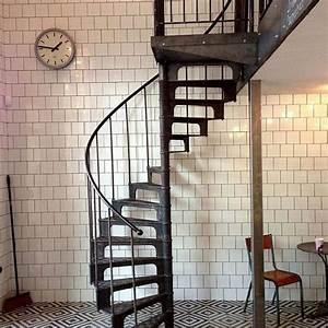 Escalier Industriel Occasion : escalier colimacon fonte occasion ~ Medecine-chirurgie-esthetiques.com Avis de Voitures