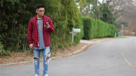 OUTFIT OF THE DAY.. FOG ZIPPER PANTS STRIPE TEE FLANNEL CHECKERBOARD VANS - YouTube