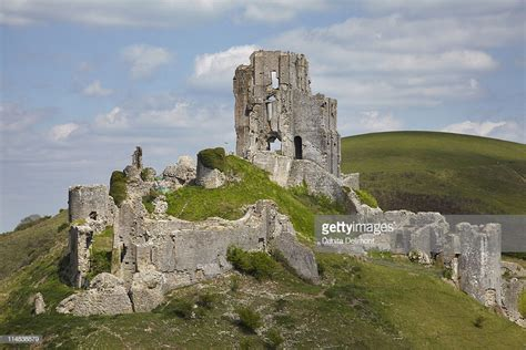 Ruins Of Corfe Castle Near Wareham Dorset England Uk Stock