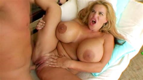Busty Cougar Likes It Rough Xbabe Video