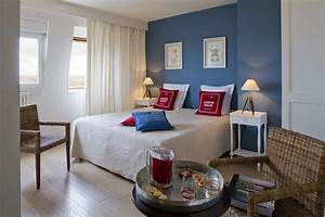 photo hotel bord de mer bleu blanc rouge deco photo With chambre bleu blanc rouge