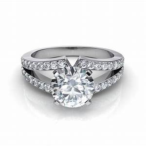 Split shank round brilliant cut engagement ring for Split shank engagement ring with wedding band