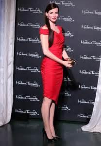 Photos: Sandra Bullock's First Wax Figure Displayed in Las ...