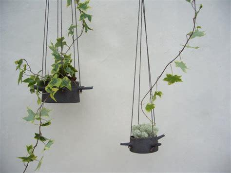 hanging flower pots  horns    hangs