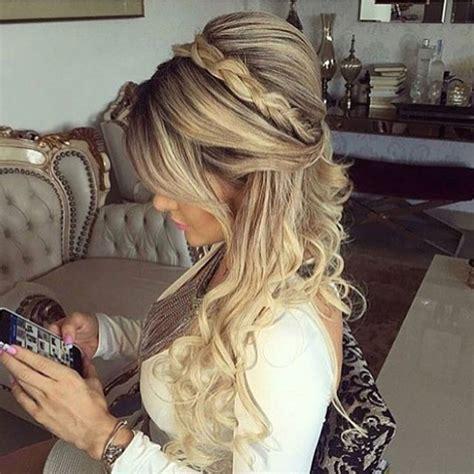 penteado noivas meio solto on Instagram