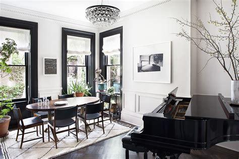 Design ideas: Black trim, white walls... — The Decorista
