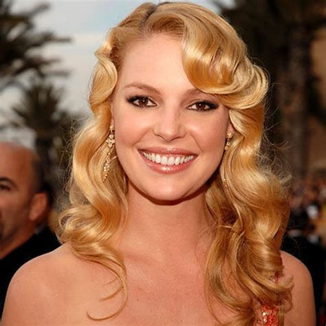 15 Pretty Hairstyles With Voluminous Curls