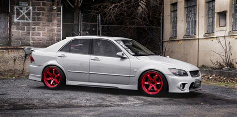 Tom's Lexus Is300