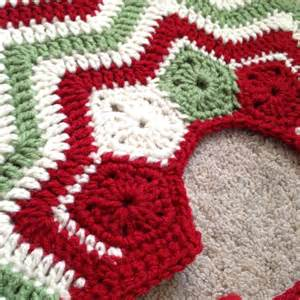 by dd hines christmas tree skirt merry christmas crochet pintere