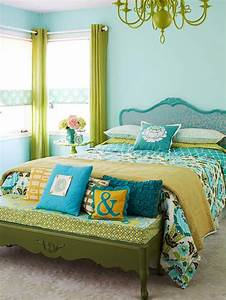 simple chic small bedroom decorating using black iron bed With blue and green bedroom decorating ideas