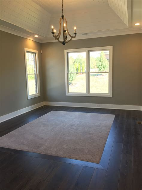 love  carpet inlay  master remodel bedroom