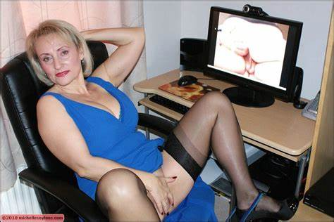 Granny Lesson Toy Fingering On The Office michelle