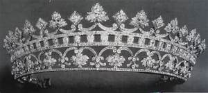 17 Best images about British Royal crowns and tiaras on ...