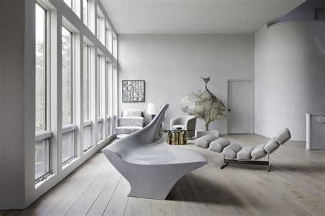 wohnzimmer deko mit skulpturen und kunstwerken  ideen