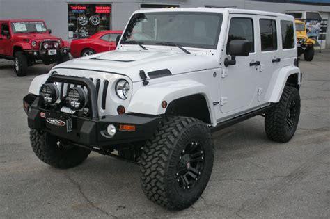 white jeep hood 2010 white jeep wrangler unlimited sahara