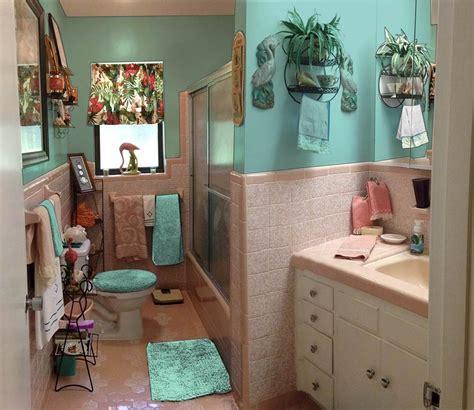 retro design dilemma paint colors  wallpaper  diane